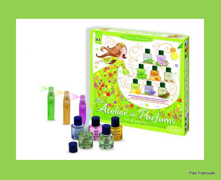 Sentosphere fabryka perfumów w księgrni Plac Francuski