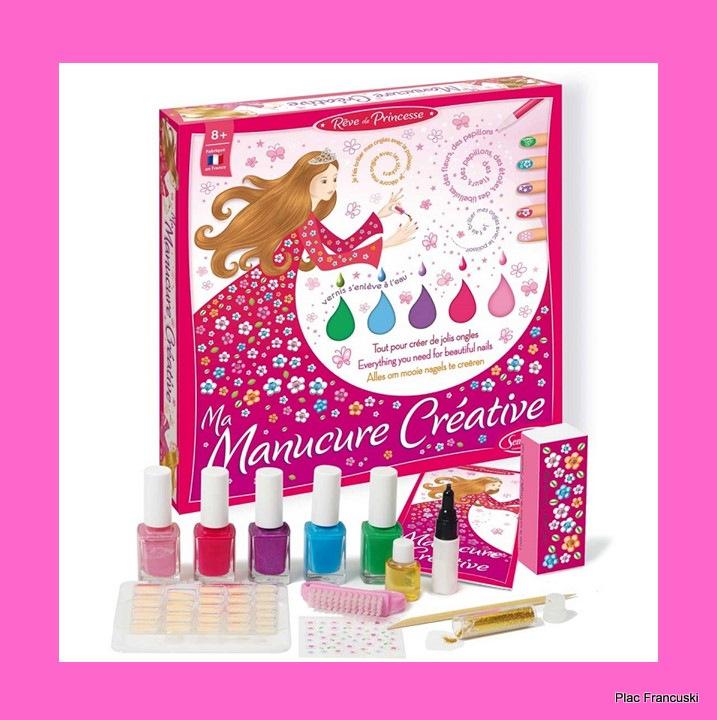 Sentosphere manicure w sklepie- księgarni Plac Francuski