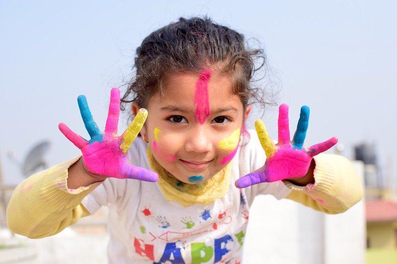 Jakie zestawy kreatywne dla dziewczynek można kupić?
