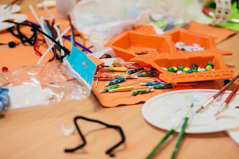 Czym są zabawki sensoryczne
