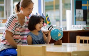 Metoda Marii Montessori uczy samodzielności.